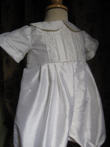 scottish_gown_and_andreas_romper_040_800x600