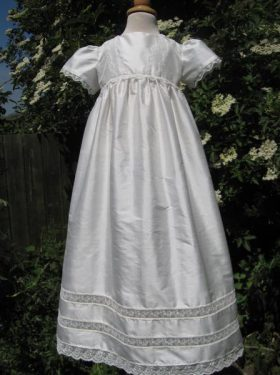 cross_gown_new_hemswell_and_lincoln_wedding_dress_052_800x600
